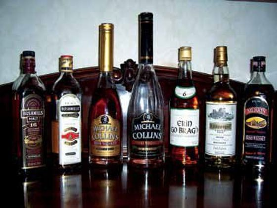 A 174 darabból álló konyak, whisky és brandy gyűjtemény