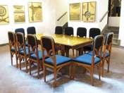 Szecessziós étkezőasztal 12 székkel