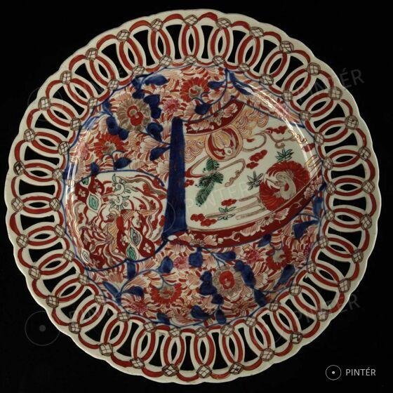 Online Művészeti Aukció — Porcelánok, kerámiák, fajanszok