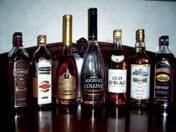 174 darabból álló konyak, whisky és brandy gyűjtemény