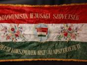 Hűség a Párthoz, hűség a Néphez zászló