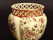Zsolnay kaspó perzsa dekorral