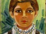 Fiatal lány gyöngyfüzérrel