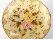 Zsolnay dísztál krizantém dekorral