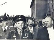 Jurij Gagarin Komlóba látogat