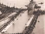 Szántó F. Erster Riesendampfer fahrt in das grösste Dock der Welt !