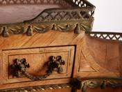 XVI. Lajos stílusú felépítményes íróasztal