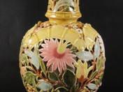 Zsolnay váza virágdekorral