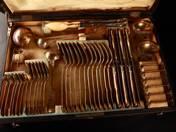 Ezüst evőeszköz készlet dobozban