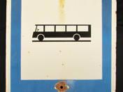Buszmegálló tábla