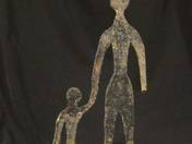 Anya gyermekével vasszobor
