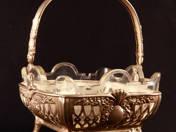 Német ezüst kínálókosár üvegbetéttel