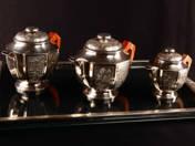 Ezüst Art Deco teáskészlet (3 db kanna, 1 db tálca)
