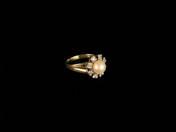 Arany gyűrű brillekkel, gyönggyel