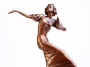 Táncoló nő - Claire Luce