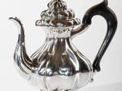 Prágai ezüst kávéskanna