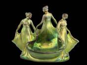 Zsolnay kaspó táncoló lányokkal