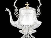 Historizáló bécsi ezüst teáskanna tartóval