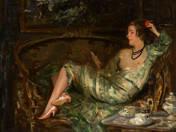 Pamlagon fekvő hölgy