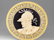 Zsolnay falitál historizáló dekorral